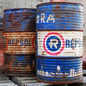 oil-rusty-storage-barrel.jpg