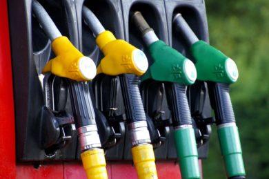 Kraftstoffpreise trotz Ölpreisanstieg weiter gesunken – Tanken um 0,3 Cent billiger als in der Vorwoche