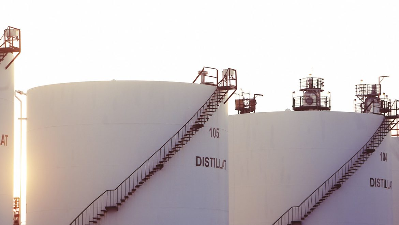 Weltweite Öllager leeren sich wieder